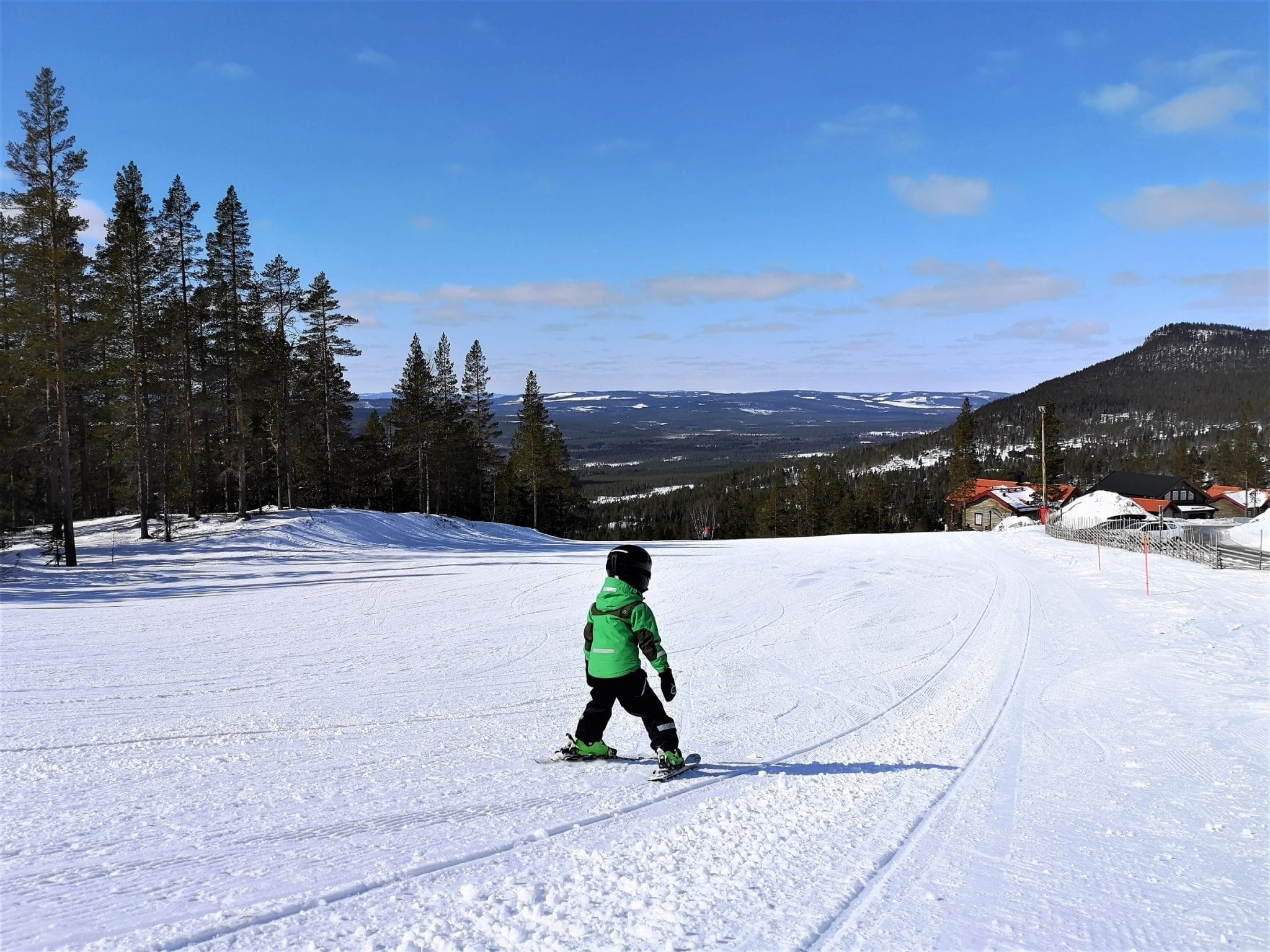 Children in ski slope in Björnrike, Vemdalen